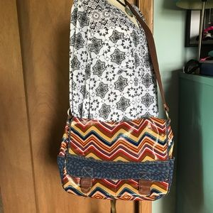 Colorful chevron Fossil KeyPer Messenger crossbody